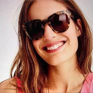 🕶 Oversize Tortoise Sunglasses 🕶